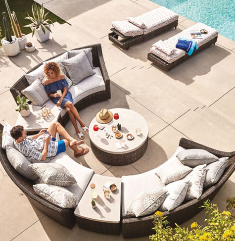 Circular Shaped Couch for your Outdoor Living Space